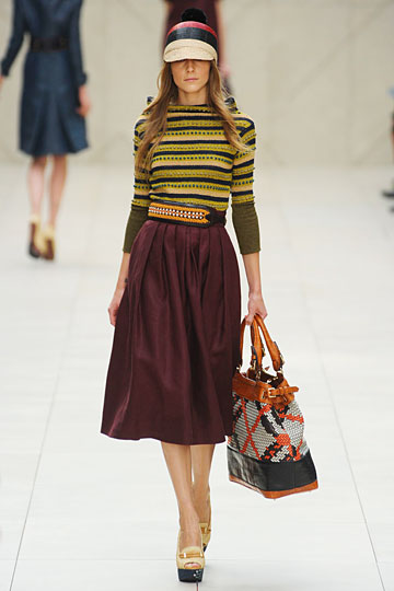 BURBERRY classic cuts and oversized skirts