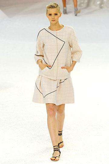 Chanel linen costume